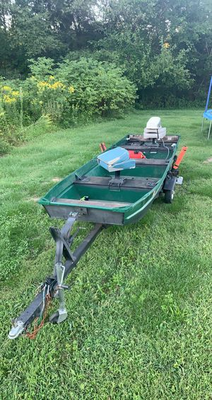 14' Aluminum Fishing Boat. 6hp Johnson. *Trades* for Sale in Milton, PA