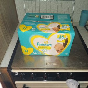 Pampers for Sale in Fresno, CA