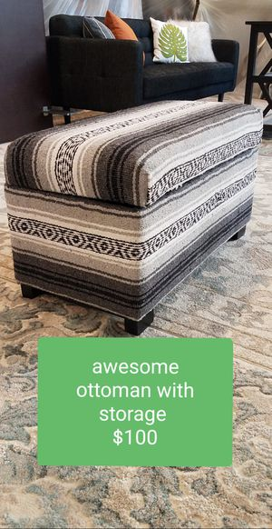 Awesome ottoman, like new with storage $100 for Sale in Los Angeles, CA