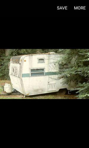 1970 Go-Go vintage camper. Needs work. $1200. Sleeps 4. for Sale in North Charleston, SC