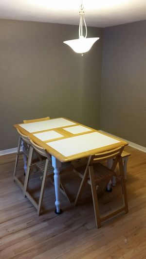 Dining table 3' x 5' for Sale in Pittsburgh, PA