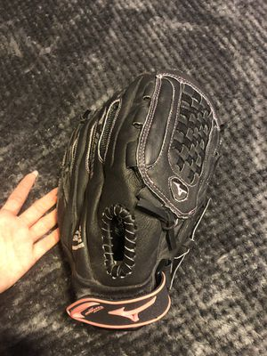 "Mizuno 12"" youth finch prospect series fast pitch glove (softball) for Sale in Fort Lauderdale, FL"