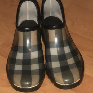 Burberry Check Ankle Rain Boots for Sale in Philadelphia, PA
