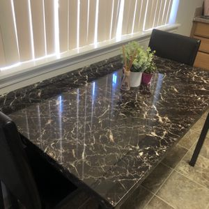 Tall dining room/ kitchen table and chairs for Sale in Tacoma, WA