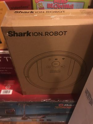 Shark robot vacuum for Sale in Chicago, IL