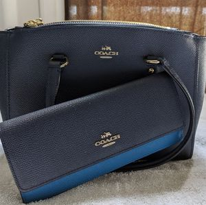 Coach Carryall Pebble Leather Purse & Wallet Bundle for Sale in Chino Hills, CA