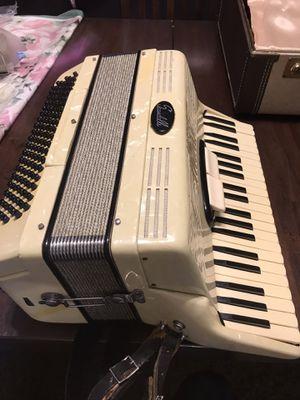 Accordion Scandalli 110 bass for Sale in Hanahan, SC