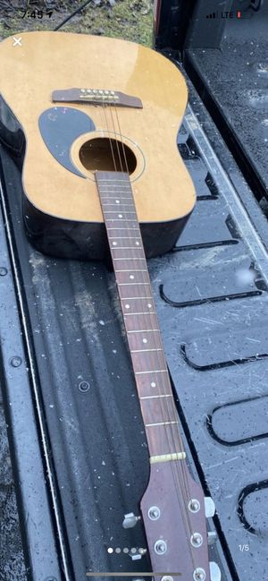 Old guitar for Sale in Columbus, OH