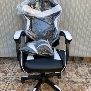 PC & Racing Game Chair for Sale in West Covina, CA