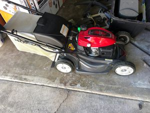 Honda lawn mower Just have a couple hours of use for Sale in Hayward, CA