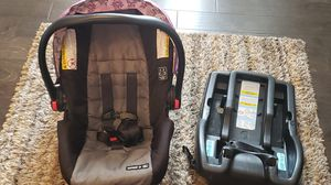 Infant Car seat for Sale in Clarksville, TN