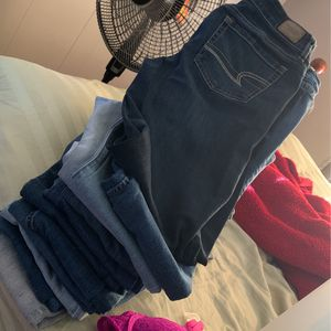 Jeans Make Offer for Sale in Lancaster, OH