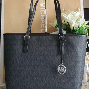 Michael Kors Tote Bag for Sale in Temecula, CA