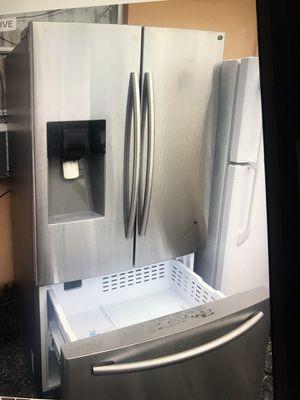 Refrigerator stainless still Samsung for Sale in West Palm Beach, FL