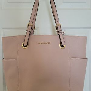 NWT Michael Kors Tote Bag for Sale in Reston, VA