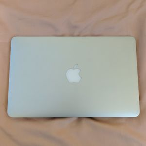 MacBook Air i5 early 2015 - For Parts for Sale in Virginia Beach, VA