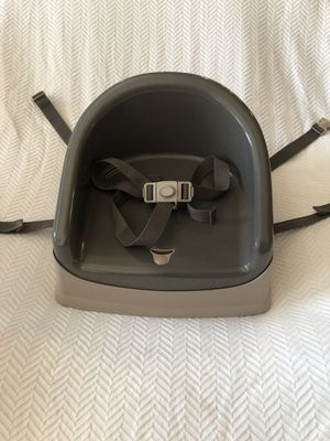 Prince Lionheart Booster Pod Child Seat for Sale in Visalia, CA
