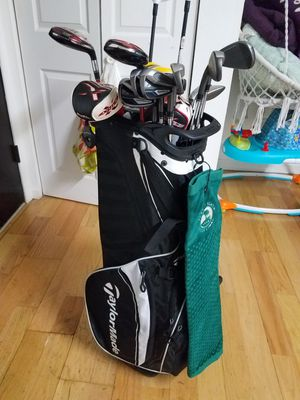 Taylormade golf bag and whole set for Sale in IL, US