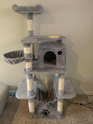 Cat condo for Sale in Renton, WA