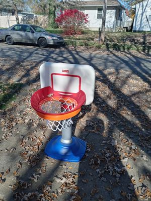 Pequeño baloncesto for Sale in Columbus, OH