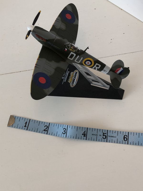 Matchbox collectibles spitfire desk top model plane