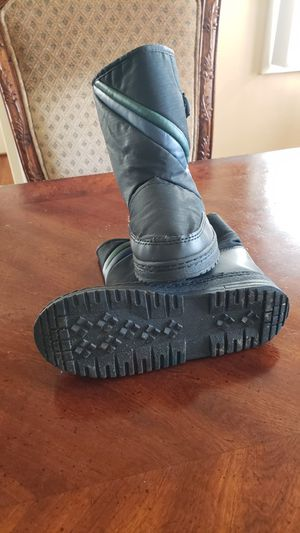 Kids snow boots for Sale in Lakewood, CA