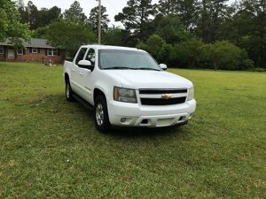 2007 Chevy Avalanche 5.3 4x4 for Sale in Denver, CO