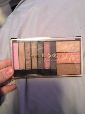 Beauty in sight eyeshadow and blush for Sale in Parma, OH