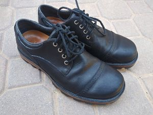 Mens UGG Low Top Boots Size 9 for Sale in Phoenix, AZ