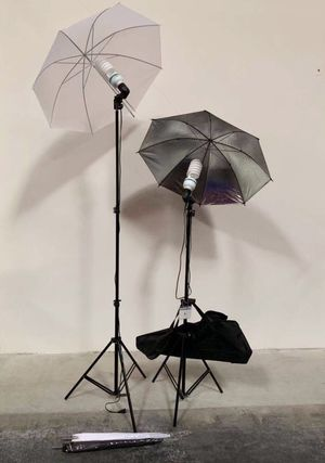 Brand new 2 stands with bulbs 4 umbrellas photo photography studio fluorescent lights height adjustable stand kit for Sale in Covina, CA