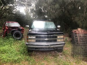93 Chevy Silverado no motor or transmission. Parts vehicle selling as is or for parts 250.00 or best offer. Open title in hand. for Sale in Sebring, FL
