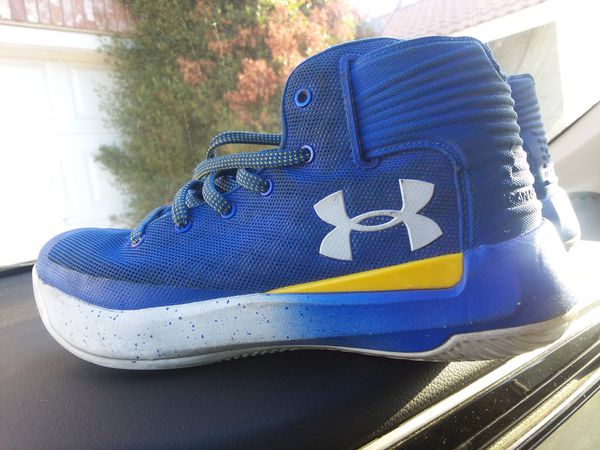 Size 6 Steph Curry Under Armor