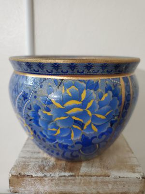 "4""H x 6""W BLUE FLOWER POT. for Sale in Miami, FL"