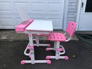 Kids desk for Sale in Newington, CT