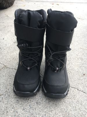 Snow Boot ~ Kid size 2 for Sale in Spring Valley, CA