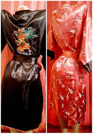 Reversible robe 25$ large for Sale in Las Vegas, NV