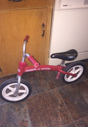 "20"" radio flyer training bike. Greatcondition for Sale in Fresno, CA"