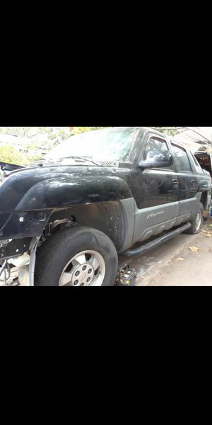 99 to 06 avalanche, silverado,tahoe,suburban,parts. for Sale in Mesquite, TX