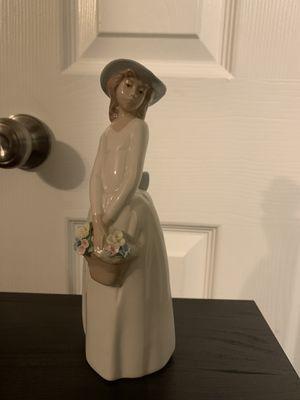 Princess House Ceramic Figurine for Sale in San Antonio, TX