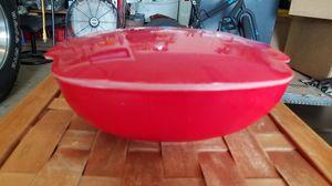 Pyrex 21/2 Qt Red bowl #525B. B-46. With lid for Sale in Boynton Beach, FL
