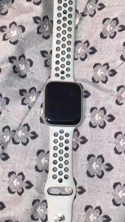 Apple Watch 4 Series for Sale in Blountstown,  FL