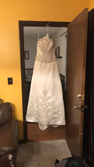 Casablanca Wedding Dress for Sale in Ozark, AL