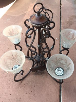 Hampton bay 5 light chandelier PERFECT CONDITION PRICE TO SELL!! for Sale in Pembroke Park, FL