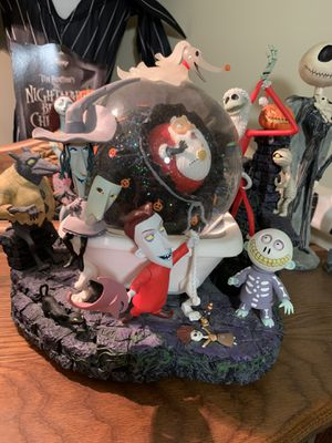 EXTREMELY RARE Limited Edition Nightmare Before Christmas HUGE Snowglobe for Sale in Goodlettsville, TN