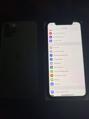 Iphone pro,midnight green,256 GB,T-mobile for Sale in Union City, CA