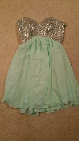Cute, short and sassy dress for Sale in Wenatchee, WA