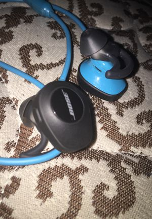 Wireless bose Bluetooth earbuds with charger for Sale in Sanford, NC