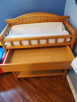 Baby changing table for Sale in Elk Grove Village, IL