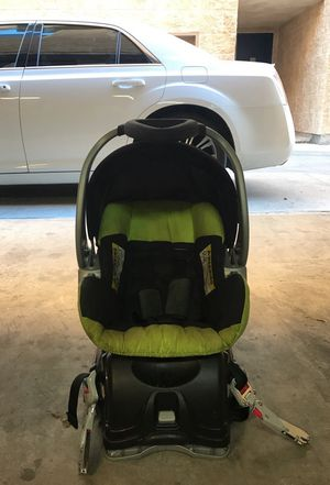 Baby Trendz Car seat with base for Sale in Dallas, TX