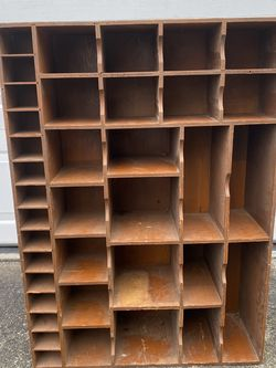 Trinket Cabinet for Sale in Puyallup,  WA